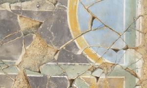 Assemblage des fragments d'enduits peints