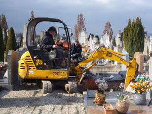 Opération au cimetière de Loyasse © SAVL
