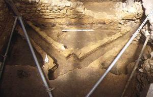 Fouille de la cour d'honneur, vestiges antiques : canaux de l'hypocauste © SA Ville de Lyon