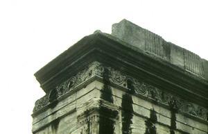 Décor d'un mausolée © SA Ville de Lyon