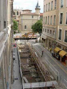 Fouille rue Monseigneur Lavarenne, accès au parking © SA Ville de Lyon