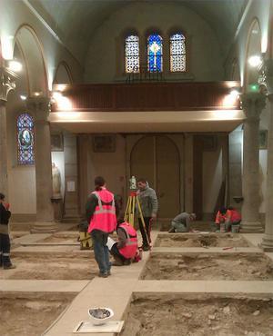 Vue de la nef en cours de fouille